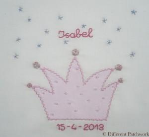 Borduurwerk roze kroon gewaarmerkt